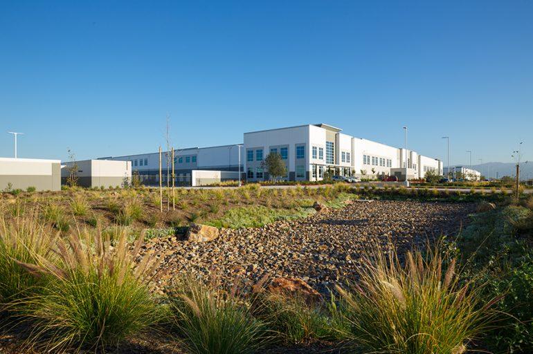 Eco Friendly Warehouse Building 836